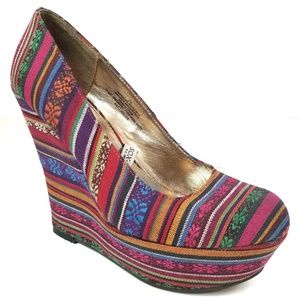 Mossimo Fiesta Textile Canvas Colorful Wedges 7.5